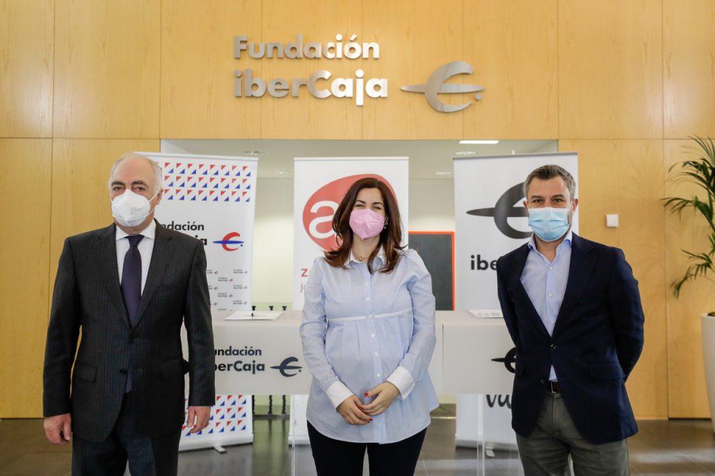 Protagonistas firma convenio AJE Zaragoza